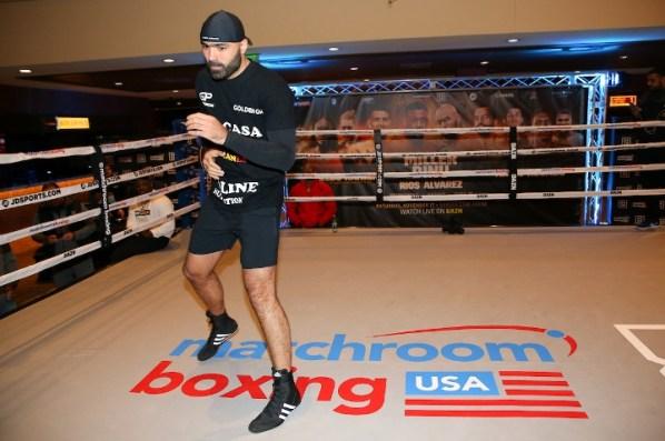 https://i2.wp.com/photo.boxingscene.com/uploads/dinu%20(7).jpg?w=598&ssl=1