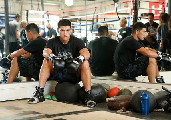 https://i2.wp.com/photo.boxingscene.com/uploads/dmitry-bivol%20(9)_4.jpg?w=598&ssl=1