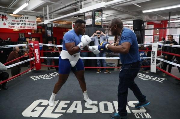 https://i2.wp.com/photo.boxingscene.com/uploads/jarrell-miller%20(3)_3.jpg?w=598&ssl=1