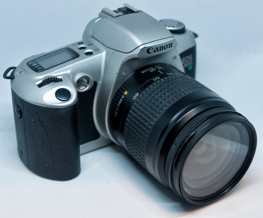 Canon EOS500N side angle