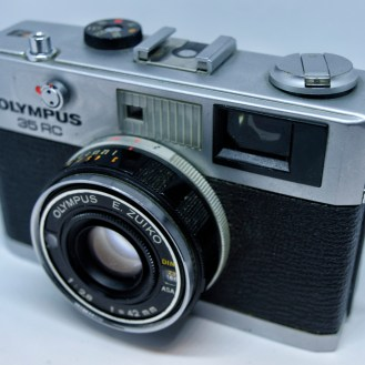 Olympus-35RC-front-angle