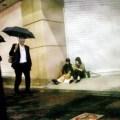 元AKB・前田敦子が新宿の路上に座り込んでの爆食い現場