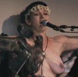 ロシアン美女のおっぱい丸出し全裸をNHKが放映w