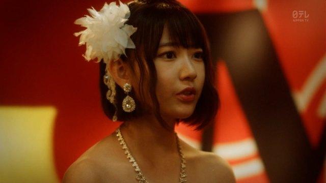 AKBキャバ嬢ドラマ『キャバすか学園』で横山由依の谷間ドレスからニプレスチラリ1
