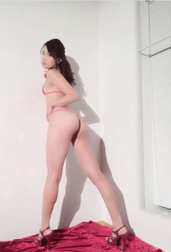 袴田吉彦と「アパ不倫」の撮影会モデル・青山真麻がセミヌード披露で売り出し加速w6