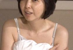 熟女マニア必見!麻木久仁子(51)の寝起きや部屋着キャミソール姿がすげぇエロい