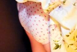 プリ尻に定評のある柏木由紀さんドラマ主演でパンツ丸見え&吸い込まれそうな巨乳の渓谷大サービスw