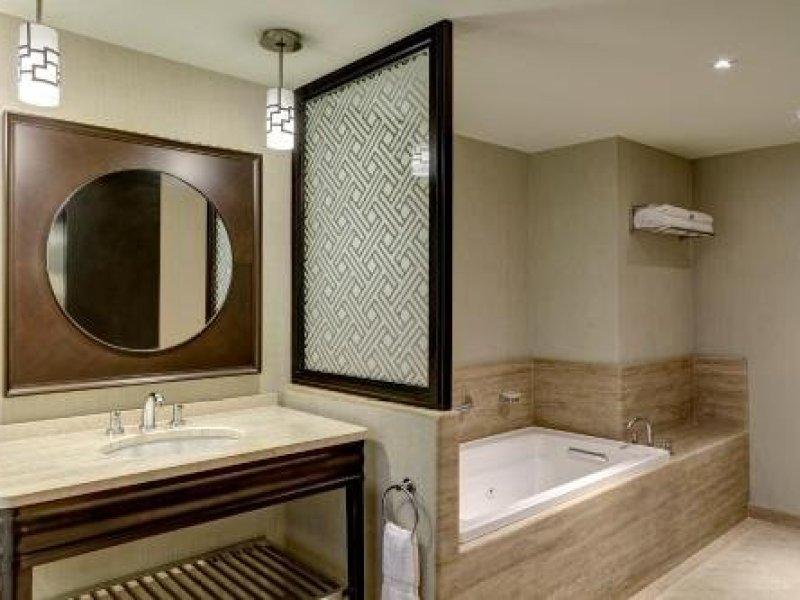 Sheraton Lima Hotel & Convention Center