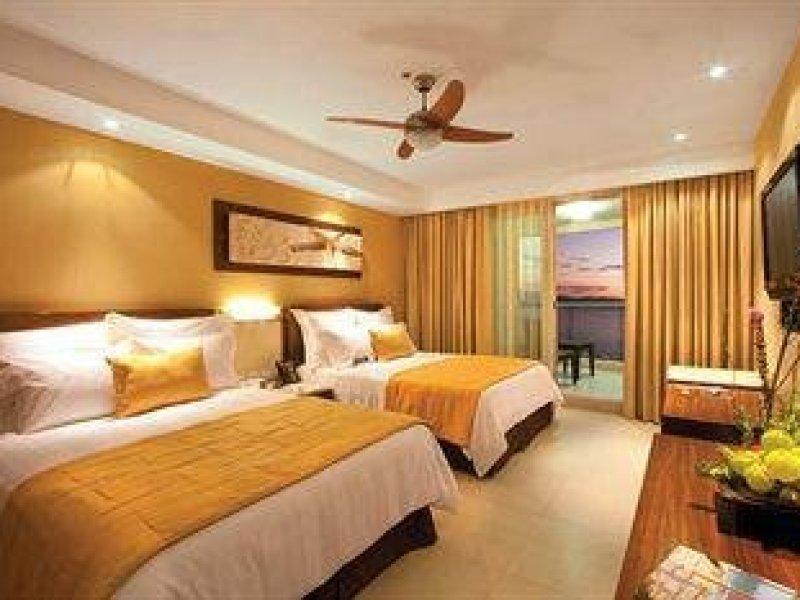 Sunset Plaza Beach Resort and Spa