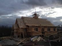 18 - возводим крышу и обшиваем стены храма