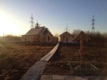 19 - возводим крышу и обшиваем стены храма