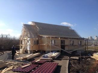 11 - возводим крышу и обшиваем стены храма