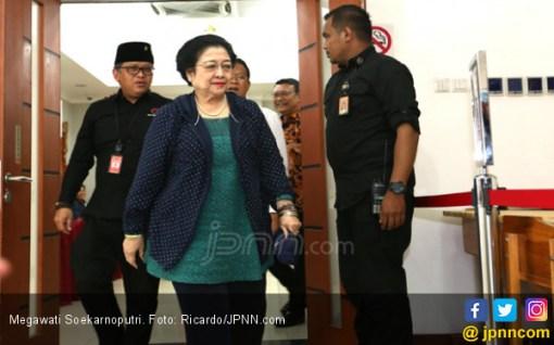 Pengin Tahu Perasaan Bu Megawati Lihat Jokowi Bertemu Prabowo? - JPNN.COM