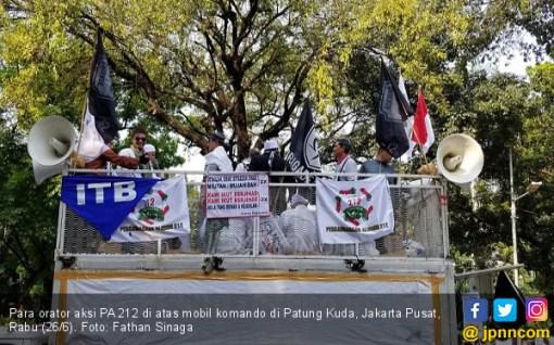 Orator PA 212 Ancam Prabowo Subianto: Anda Berkhianat, Silakan Jalan Sendiri! - JPNN.COM