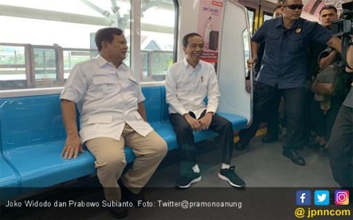 Pertama Kali Naik MRT, Prabowo: Terima Kasih Pak Jokowi - JPNN.COM