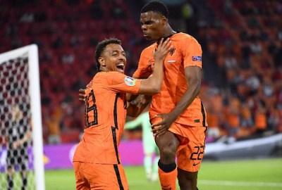 Gol Memphis Depay dan Dumfries Pastikan Belanda Lolos 16 Besar EURO 2020