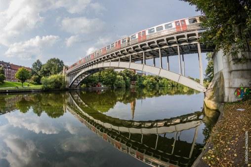 Hochbahn Kuhmühlenteich