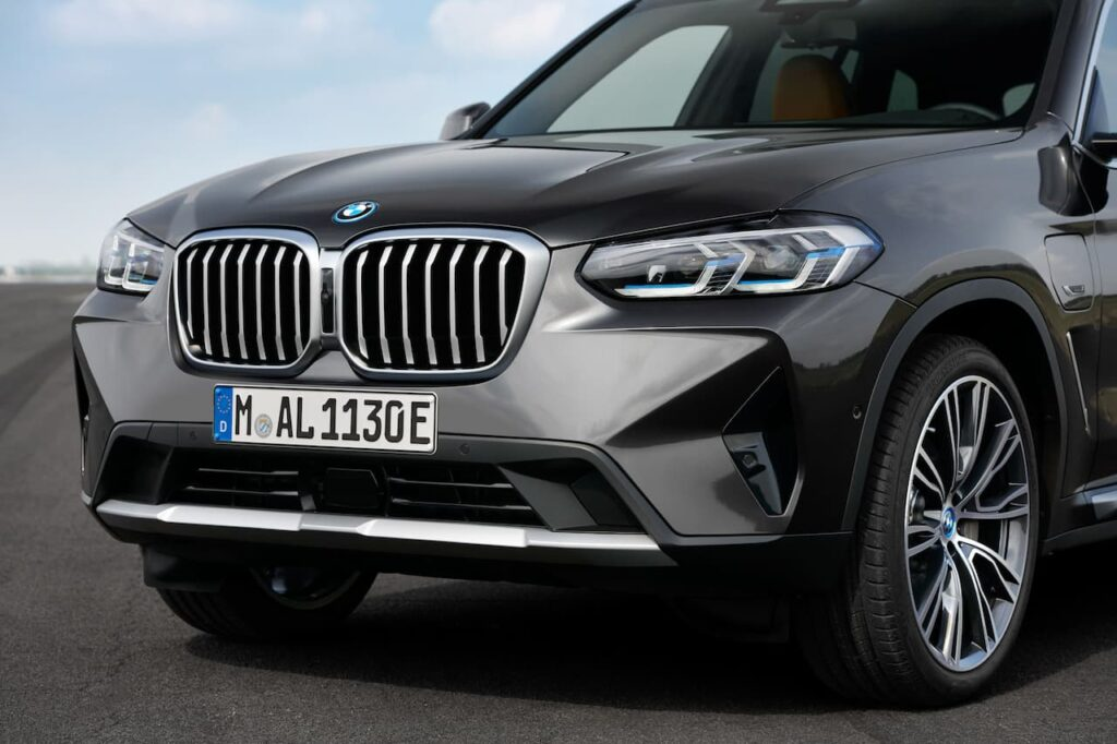 BMW X3 and BMW X4 LCI 2022 version launched 5