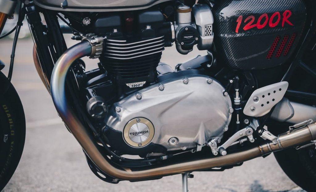 Triumph Thruxton R fierce, cool, tearing English style
