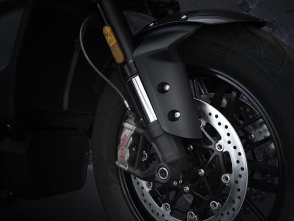 Triumph Rocket 3 R Black Limited Edition 6