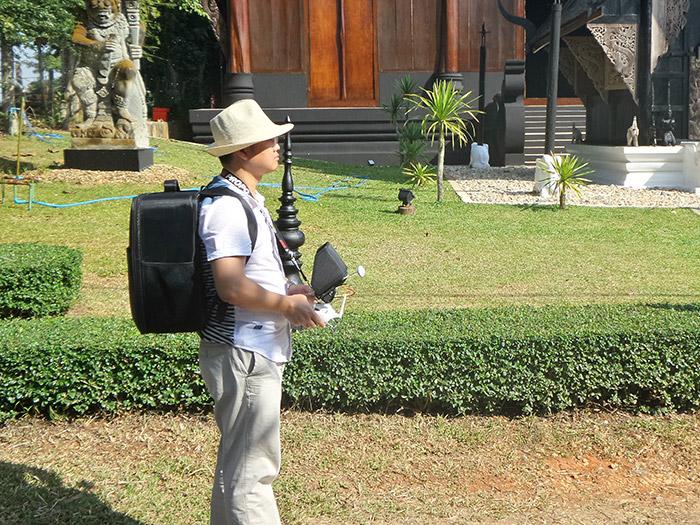 『泰國清邁自助景點』來自暗黑世界的掉落物 -- 黑廟 -- 傳說中的挨踢部門