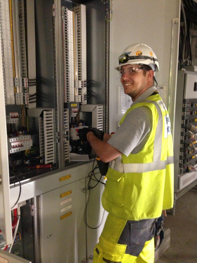 Wilkins Electrical Solutions 100 Feedback Electrician Handyman In London