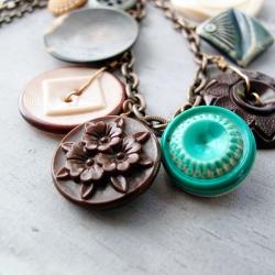 Retro Vintage Button Necklace