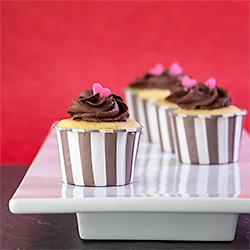 Chocolate Valentine Caramel Cupcake Bites