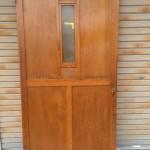 大きな木製扉2