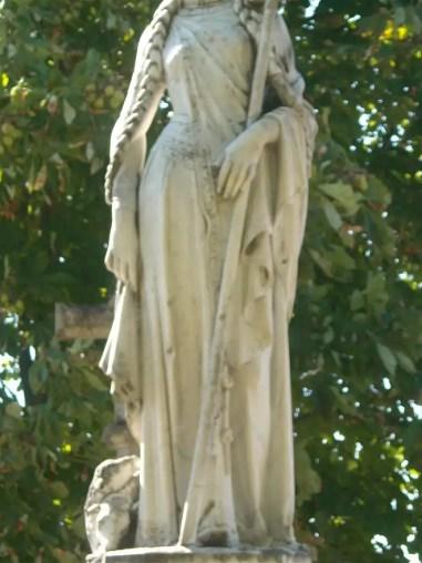 Resultado de imagen de escultura de sainte reine en Alesia francia