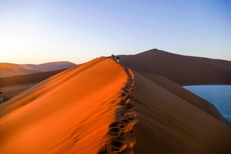 Climbing-the-Dune---Sossusvlei-7-saadj
