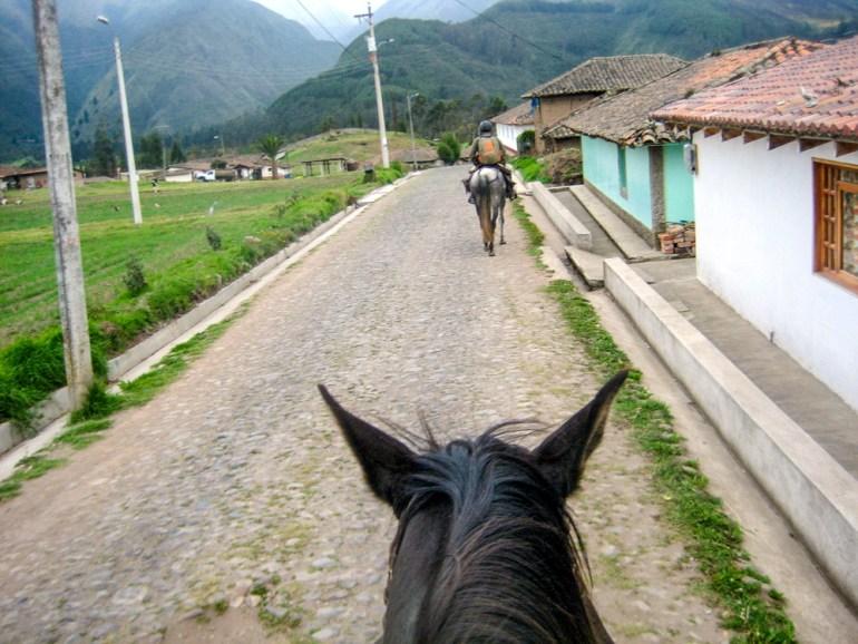 Sommer-Antrim-Ecuador-Zuleta-IMG_4028-CRadj