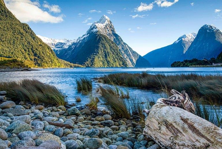 moutain scenery in New Zealand