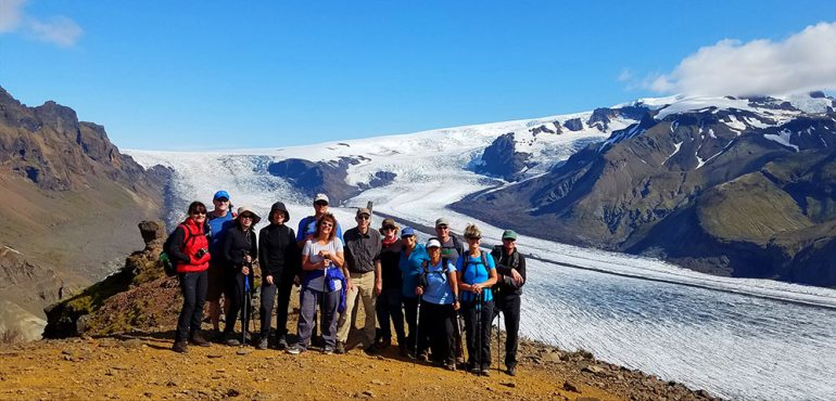 Group photo at Skaftafellsjokull glacier