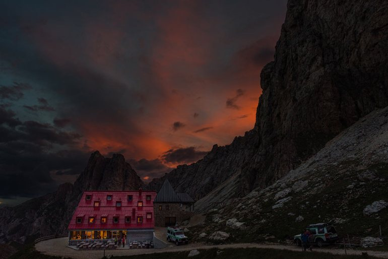 dolomites rifugio at sunset