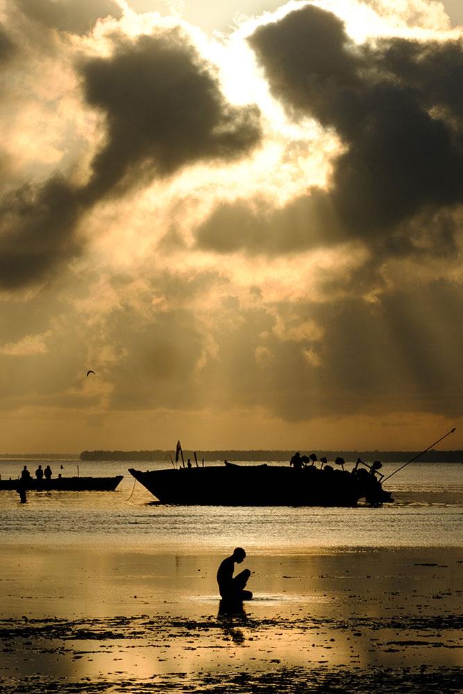 sunrise in the indian ocean by kevin floerke