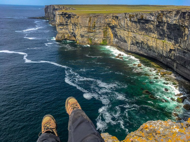 ireland-west-coast-feet-sea-cliff