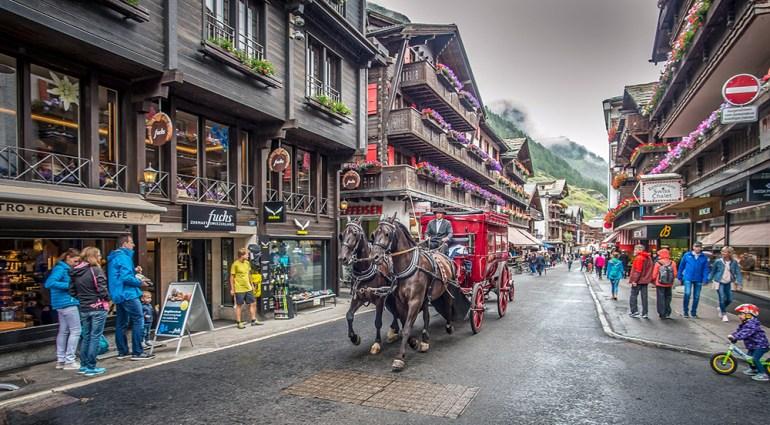 a horse-drawn carriage