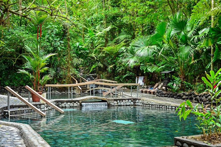 costa rica hot springs