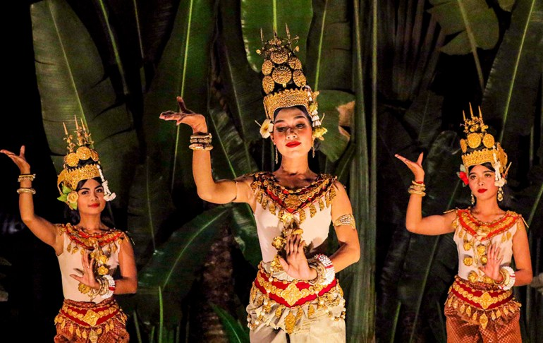 Khmer dancers in indochine