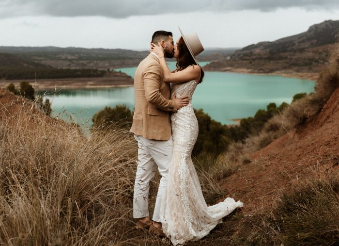 modern stylish wedding top pic