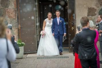 24Leo och elin bröllop uppsala-39