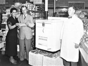 Empire Market dishwasher winner Rose Cello Hudson 1951