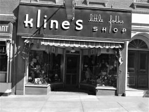 Stores Warren St Hudson NY 1953 (2)