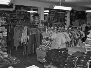 Stores Warren St Hudson NY 1953