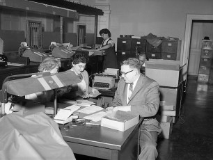 Farmers National Bank merges with National Commercial Bank Hudson 1959 (4)