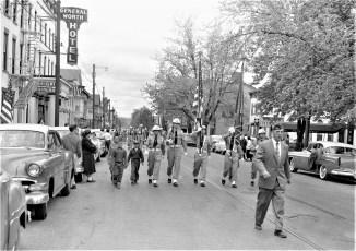 V.F.W. Parade Hudson 1957 (4)