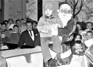 Hudson Chamber of Commerce Santa comes to Hudson 1961 (3)