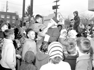 Santa arrives in Hudson by  helicopter 1963 (4)