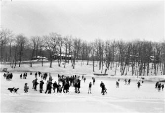Ice skating on Oakdale Hudson Dept. of Youth 1968 (1)